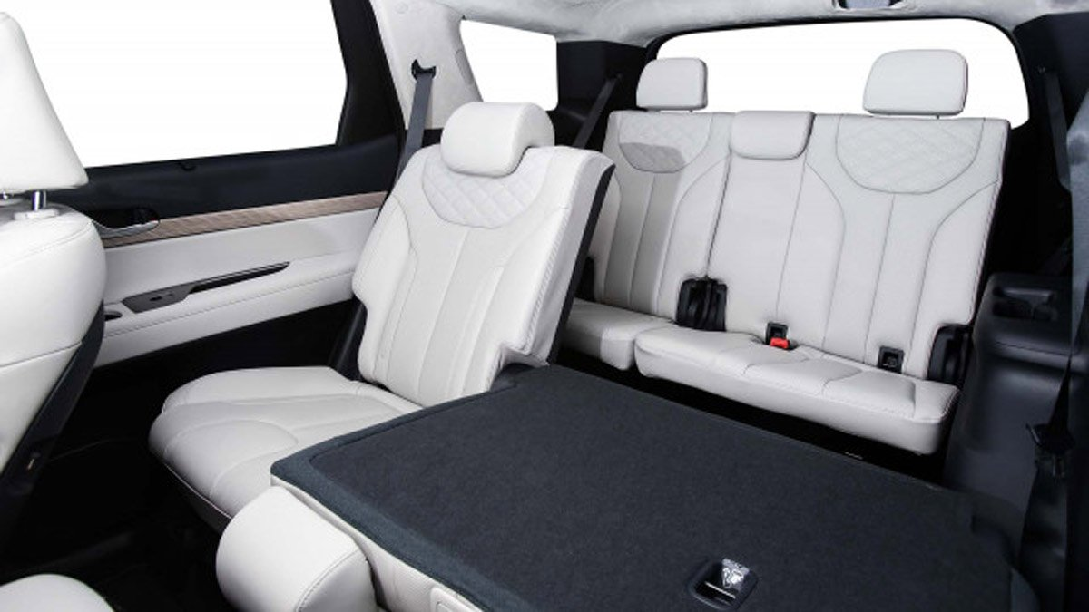 2020 Hyundai Palisade recognized for its roominess, safety features