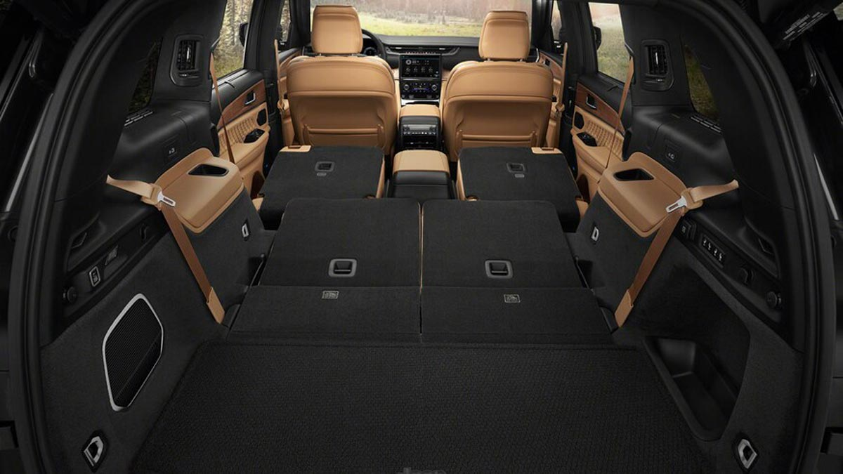 Grand Cherokee L adds extra row for passengers, gear